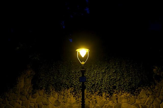 pouliční lampa.jpg