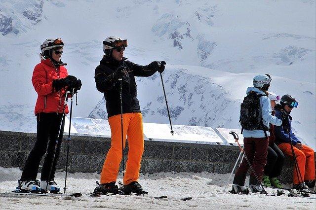 odpočinek lyžařů.jpg