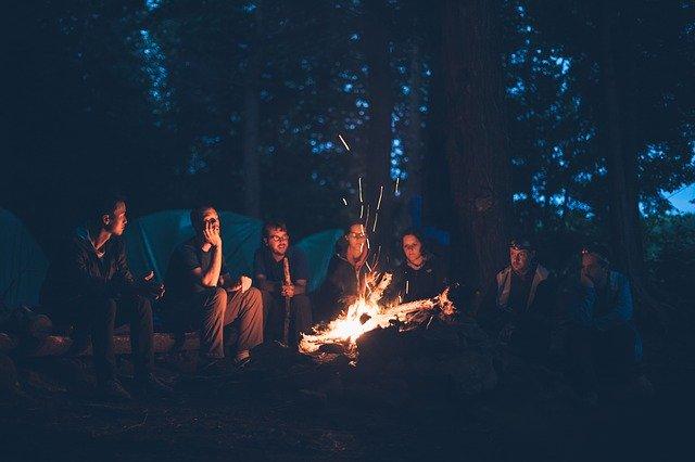 Sezení u ohně